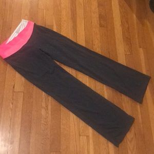 Lululemon grey pink band yoga pants size 6 regular